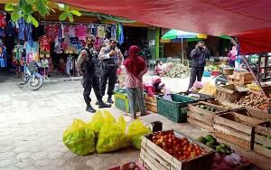 Kapolres Kobar: Pedagang dan Pengunjung Pasar Terus Diajak Disiplin Prokes