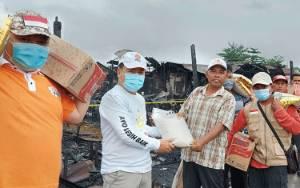 Relawan PKS Bantu Korban Kebakaran Gang Suka Damai