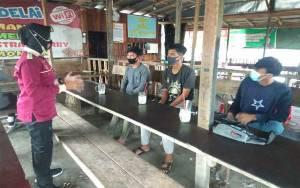 Anggota Polres Kobar Blusukan Sosialisasi Cegah Penyalahgunaan Narkotika