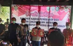 Gubernur Kalteng Terima Dokumen Persiapan Provinsi Kotawaringin