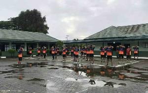 Anggota Kodim Kuala Kapuas Jaga Kebugaran Tubuh dengan Olahraga Bersama