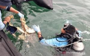 Tim Selam Kopaska Temukan Bagian Tubuh Diduga Korban Sriwijaya Air