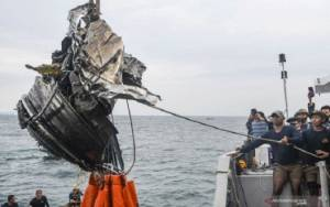 KNKT Duga Pesawat Sriwijaya SJ 182 Tidak Meledak Sebelum Membentur Air