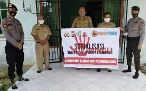 Personel Polsek Delang Sosialisasikan Saber Pungli
