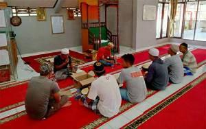 Warga Binaan Rutan Kuala Kapuas Kelas IIB Isi Waktu dengan Latihan Habsyi dan Yasinan