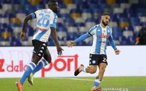 Napoli Pesta Gol ke Gawang Fiorentina
