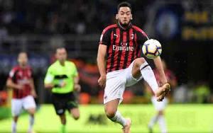 2 Pemain Positif Covid-19, AC Milan Tunda Perjalanan ke Cagliari