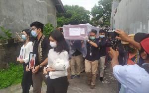 Jenazah Pramugari Sriwijaya Air Tiba di Rumah Duka di Denpasar-Bali