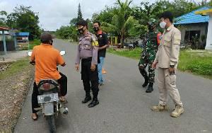 Polsek Kapuas Barat Bersama Koramil Laksanakan Operasi Yustisi Sasar Pengguna Jalan