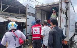 Banjir Kalsel Sudah Mulai Surut, Tim BPBD dan PMI Kotim Kembali ke Sampit
