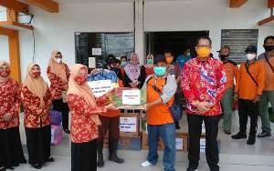 Dharma Wanita Persatuan Kalteng Salurkan Bantuan Banjir Kalsel