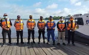 Antisipasi Banjir, Kapolres Susuri Sungai Seruyan