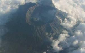 Letusan Abu 400 Meter, Status Gunung Raung Berubah Waspada