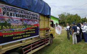 PGRI Seruyan Salurkan Bantuan Untuk Warga Terdampak Banjir Kalsel