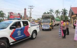Polres Kotim Kawal Pengiriman Bantuan Korban Banjir Kalsel