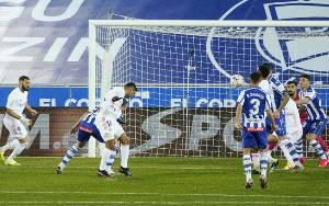 Hazard dan Benzema Bawa Real Gulung Alaves 4-1