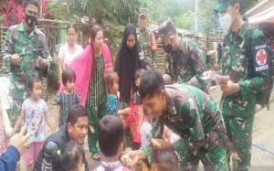 TNI Bantu Pemulihan Trauma pada Anak di Lokasi Banjir Kalsel