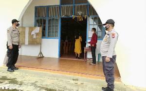 Personel Polsek Delang Imbau Protokol Kesehatan di Tempat Ibadah