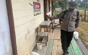 Asrama Polsek Lamandau Disemprot Disinfektan Cegah Covid-19