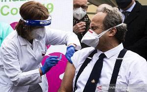 Pasokan Vaksin COVID-19 Tertunda, Italia Akan Ambil Langkah Hukum