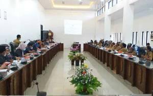 DPRD Bersama Pemkab Barito Utara Bahas Raperda Ppilkada dan Pengganti Antar Waktu
