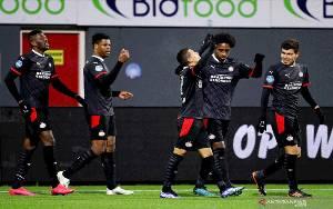 PSV Merangsek ke Posisi Kedua Selepas Menang di Emmen