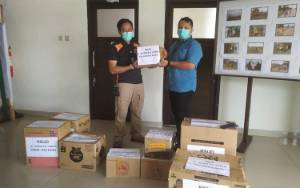 Satpol PP Kalteng dan RSUD Doris Sylvanus Salurkan Bantuan Korban Banjir Kalsel