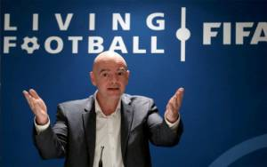 Pemain Sepak Bola Bukan Prioritas untuk Vaksin, Kata Presiden FIFA