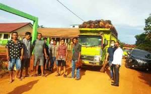 Legislator Sebut Truk Sawit Melintas di Dusun Terobos Raya Tidak Perhatikan Keselamatan Warga