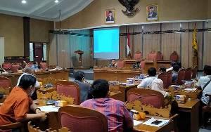 Permasalahan Jalan Dusun Terobos, DPRD Kotim akan Panggil 3 Perusahaan Lagi