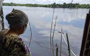 Polres Kotim Selidiki Tumpahnya BBM ke Sungai Mentaya