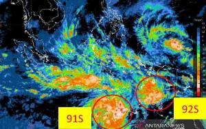Waspada Gelombang Tinggi Laut Jawa Dampak Bibit Siklon Tropis
