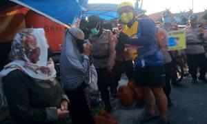 Kapolda Kalteng Berikan Bantuan Paket Sembako