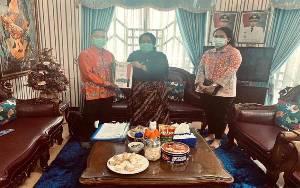 Wakil Ketua III DPRD Kalteng Terima Proposal Usulan Mobil Ambulans dari Puskesmas Kereng Pangi