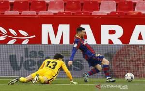 """Gol dan """"Assist"""" Messi Menangkan Barcelona di Sevilla"""