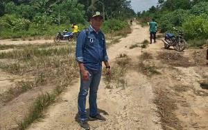 Anggota DPRD Kapuas : Jalan Poros Menuju Lahan Food Estate Desa Saka Lagun Perlu Perhatian