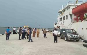 Kapal perintis KM Sabuk Nusantara saat bersandar di Pelabuhan Segintung
