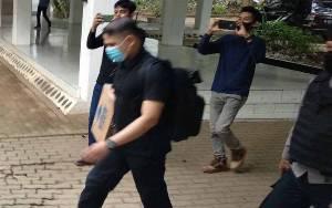 KPK Geledah Biro BPJ Kantor Gubernur Sulsel