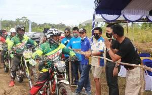 Wakil Bupati Barito Utara Lepas Peserta Touring Hadaduhup Part 1