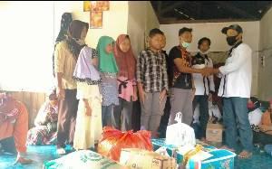 Ikatan Keluarga Pangkoh Santuni Yatim Piatu dan Serahkan Bantuan untuk Lansia