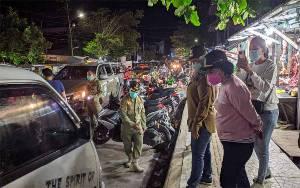Sejumlah Pedagang Pasar Subuh yang Jualan di Badan Jalan dan Trotoar Ditertibkan