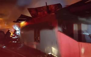 Video Amatir Rumah Warga Kelurahan Madurejo Hangus Terbakar
