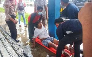 Pria ini Ditemukan Tergeletak di Halte Jalan Ahmad Yani