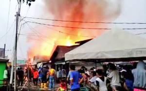 Permukiman Penduduk di Kompleks Puntun Terbakar
