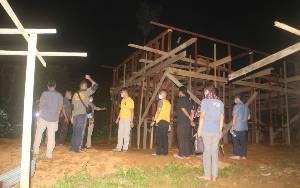 Bupati Lamandau Harapkan Pembangunan Rumah Warga Korban Banjir di Desa Petarikan Segera Rampung