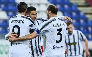 Ronaldo Cetak Hattrick saat Juve Gasak Cagliari 3-1