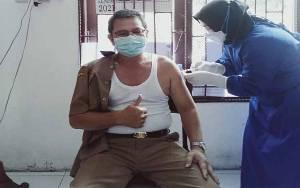 Pegawai Dinas Sosial Seruyan Disuntik Vaksin Covid-19
