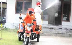 Satgas Covid-19 Kalteng Lakukan Penyemprotan Disinfektan di Rumah Warga