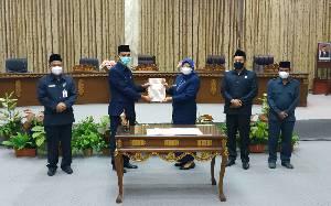 Wakil Bupati Barito Utara Sampaikan 2 Raperda untuk Dibahas Bersama Legislatif