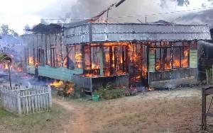 Kebakaran Kembali Terjadi di Katingan, 2 Rumah di Desa Samba Danum Ludes Dilalap Api